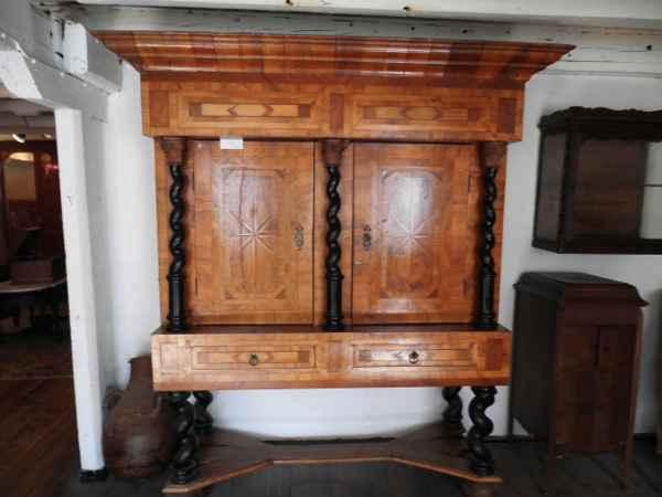 Barock Kabinettschrank