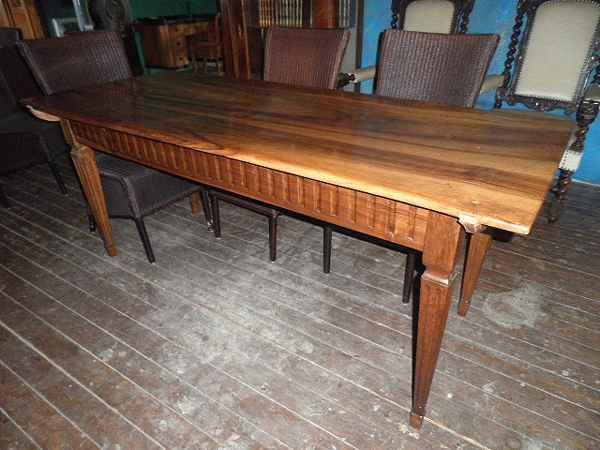 Louis Seize Tisch