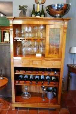 Biedermeier Weinschrank aus Kirschbaum