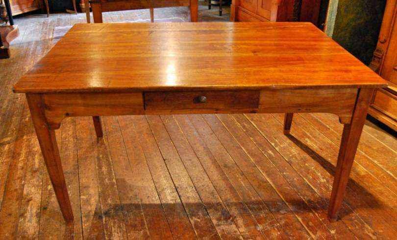 Tisch mit Schublade aus Kirschbaumholz, ca. 1830
