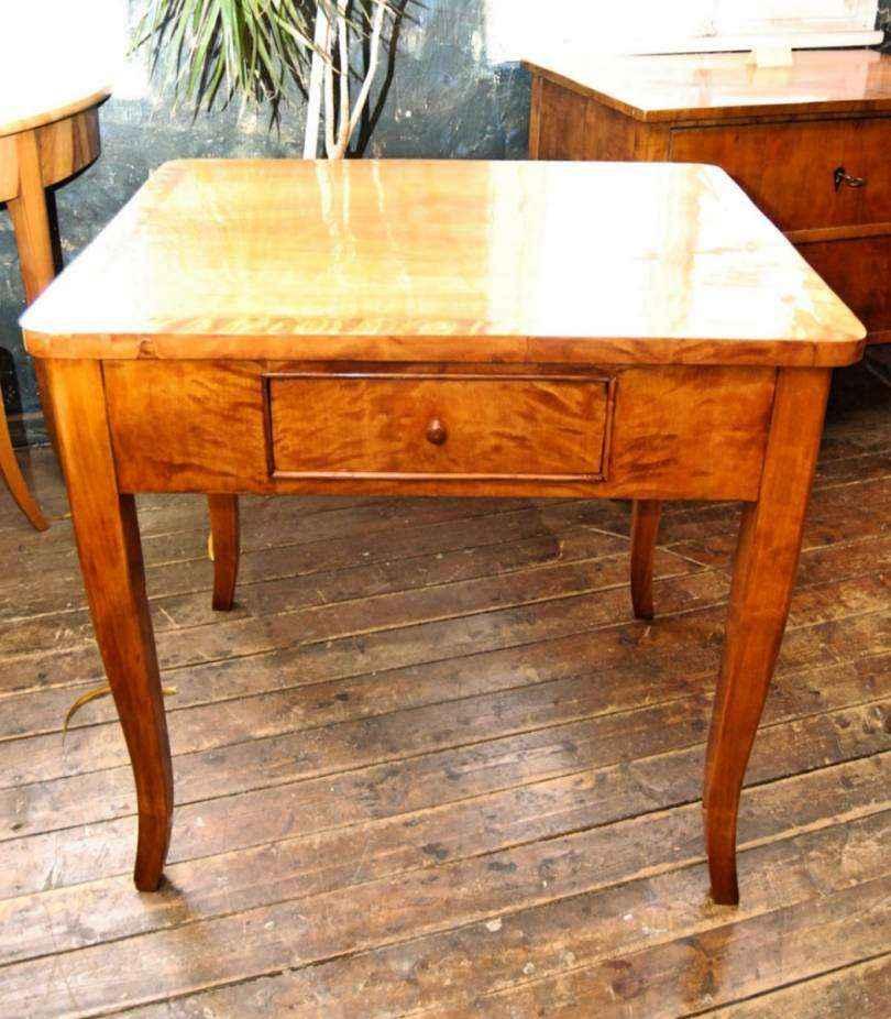 Kleiner tisch schreibtisch birke kirschholz ca 1825 for Schreibtisch kirschholz
